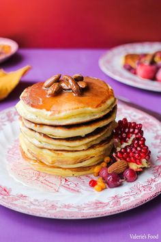 CLĂTITE PUFOASE CU IAURT GRECESC | Rețetă+Video - Valerie's Food Baby Food Recipes, Cake Recipes, Dessert Recipes, Cooking Recipes, Delicious Desserts, Yummy Food, Baby First Foods, Romanian Food, Meals For One