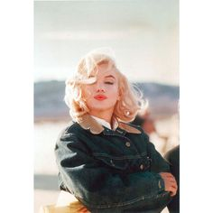 26 Beautiful Marilyn Monroe Photos By Eve Arnold ❤ liked on Polyvore featuring marilyn monroe, people, marilyn, faces and pictures