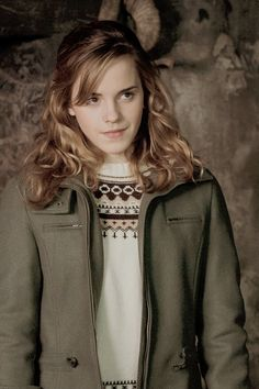 """Emma Watson at Hermione Granger in 'Harry Potter and the Order of the Phoenix' "" Hermione Granger, Harry Potter Hermione, Harry Potter Characters, Harry Potter Movies, Harry Potter World, Harry James Potter, Harry Potter Pictures, Hogwarts, Imprimibles Harry Potter"