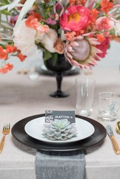 Mid-Century Modern Love Styled Shoot | Place Setting | Design and Coordination: @colorpopevents, Photography: @mikkelpaige, Floral: @sachirosedesign, Place card: @madranas