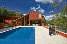 Forest House in Horizonte by David Guerra | HomeDSGN