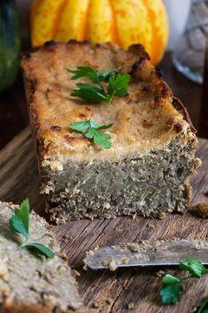 Green lentil and horseradish pate. Green Lentils, Spanakopita, Going Vegan, Vegan Recipes, Vegan Food, Good Food, Nerd, Dinner, Ethnic Recipes