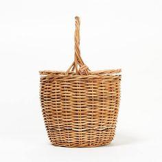 12closetの【福田麻琴さんコラボ】バスケットバッグです。こちらの商品は、【集英社公式通販 LEEmarche】で購入できます。