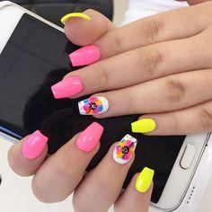 Nails by Niki// Polish me pretty nail bar