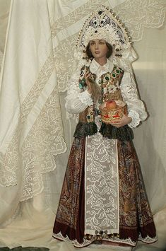 Doll 'Russian Beauty' author's work, a single copy. Hyper realistic dolls by Alyona Abramova Saint Yves, Russian Beauty, Russian Fashion, Meanwhile In Russia, Russian Folk, Russian Style, Russian Art, Court Dresses, Realistic Dolls