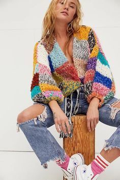 Knitwear Fashion, Cozy Fashion, Cardigan Fashion, Extreme Knitting, Estilo Hippie, Knitting Stiches, Cardigan Sweaters For Women, Cardigan Styles, Knitting Designs