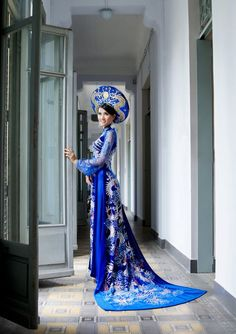Vietnamese wedding dress- One day, maybe for my Vietnamese wedding ceremony!