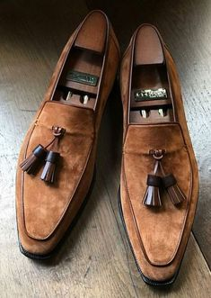 Handmade Men's Tan Color Suede Shoes, Round Toe Slip On Dress Formal Tussle Loafers Shoes Detail Upper: High Quality Suede Inner: soft leather Sole:Leather Gender:Male Heel:Leather Totally Hand stitched Manufacturing time business days Tassel Loafers, Suede Loafers, Loafers Men, Loafer Slippers, Loafer Shoes, Formal Shoes, Casual Shoes, Dress Formal, Shoes Style