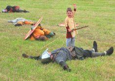 slide show of Wirhalh Skip Felagr Viking reenactment images