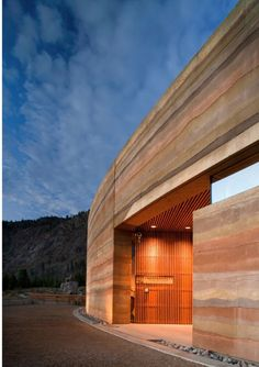 Nk'Mip Desert Cultural Centre, Osoyoos, BC - using 'rammed earth' technique Architecture Durable, Sustainable Architecture, Sustainable Design, Contemporary Architecture, Architecture Details, Residential Architecture, Pavilion Architecture, Vernacular Architecture, Building Architecture