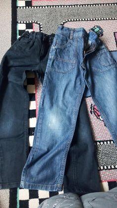 50a2b474583 Lot jean garçon - Vends lot jean garçon noir et bleu taille 8 ans. Le
