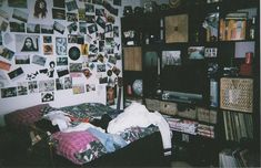 Can someone spell basically perfect grunge room? I had a storage shelf like that, why did I get rid of it