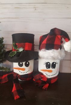 Top Snowman Christmas Decorations For Your Home ~ Home Decoration Inspiration Snowman Christmas Decorations, Christmas Mason Jars, Snowman Crafts, Christmas Gifts For Kids, Christmas Snowman, Rustic Christmas, Holiday Crafts, Christmas Crafts, Snowman Wreath