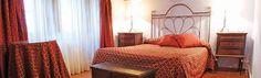 2 noches en un PALACIO en el centro de Granada  http://www.chollovacaciones.com/CHOLLOCNT/ES/chollo-hotel-palacio-santa-ines-oferta-granada-centro.html    Este chollo incluye:  - Chollo disponible para San Valentín.  - Alojamiento en el Hotel Palacio de Santa Inés ***.  - Desayuno incluido.  - Cava y bombones en la habitación.  - Habitación decorada con velas.  - Wifi gratuito.