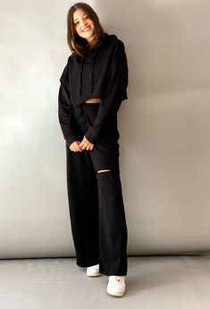 Παντελόνι φόρμα με σκίσιμο ONE SIZE. Καλύπτει έως large 70%cotton 30%pes ΕΛΛΗΝΙΚΗΣ ΡΑΦΗΣ Total Black, Lounge Wear, Must Haves, Normcore, Hoodies, Pants, Outfits, Style, Fashion