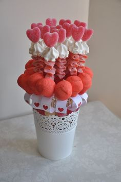 Discover thousands of images about Cupid's Candy Cart MK Gateau Baby Shower, Candy Kabobs, Candy Arrangements, Bar A Bonbon, Sweet Trees, Candy Cart, Marshmallow Pops, Candy Bouquet, Food Decoration