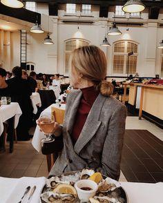 """1,003 Beğenme, 19 Yorum - Instagram'da Yanina (@diaryofdays): """"Perfect Saturday evening treat  #2inamsterdam #happytime #dinner #champagneforeveryone"""""""