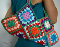 http://www.artesanum.com/upload/postal/2/9/8/bolso_de_mano_sixties_crochet-470357.jpg