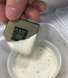 What& your favorite chip dip? Stupid Memes, Dankest Memes, Funny Memes, Funny Videos, Hilarious, Cyberpunk 2077, Photos Originales, Haha, Cursed Images