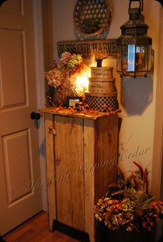 mudroom... an Adorably cozy one at that!