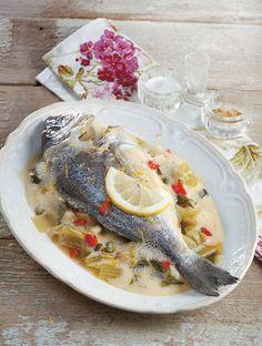 Τα φαγητά της ελληνικής ταβέρνας σε 30 συνταγές - www.olivemagazine.gr Mediterranean Diet Recipes, Dessert Recipes, Desserts, Greek Recipes, Biscotti, Food Styling, Camembert Cheese, Seafood, Yummy Food