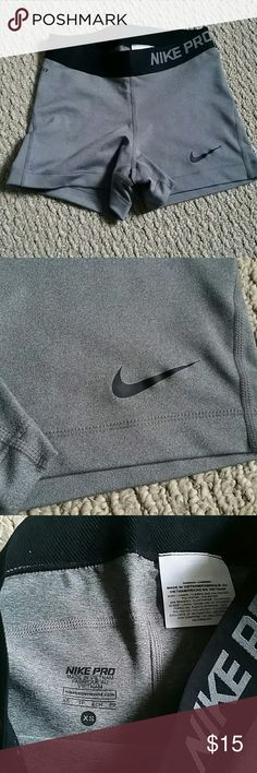 Like new Nike pro xs spandex short Like new Excellent condition  Size xs Length about 10inc  Nike pro short  Price is firm Nike Shorts