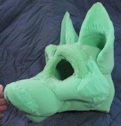 intéressant tuto de masque mais aussi de costume. A voir