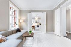 (1) FINN – ADAMSTUEN- Klassisk og lys 3-roms med doble fløydører, rosett/stukkatur og ildsted. Tilgang til flott lukket bakgård!