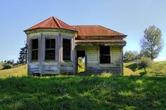 Old house, Te Kuiti, Waikato, New Zealand by brian nz, via Flickr    It's PERFECT!!!!!! It has a turret and everything!