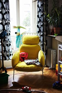 PAFFUTA, armchair with steel chassis and woolen cushions, designed byLuca Nichettofor Disciplinephoto byPaul Barbera, Courtesy of Discipline