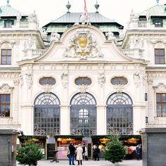 Belvedere Palace, Vienna. Photo courtesy of whitneyjadephoto on Instagram.