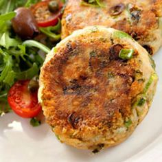 Healthy Recipe From Joy Bauer's Food Cures Ricotta-Dill Salmon Patties Fish Recipes, Seafood Recipes, Dinner Recipes, Cooking Recipes, Healthy Recipes, Salmon Recipes, Healthy Eats, Turnip Recipes, Dinner Dishes