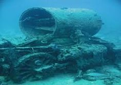 Bildergebnis für remnants of the egyptian army on the bottom of the red sea images