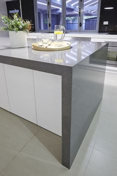 Marble Kitchen a Classic and Tips for Choosing Marble marble kitc. Marble Kitchen a Marble Tile Kitchen, Gray And White Kitchen, Kitchen Benchtops, Marble Tile Bathroom, White Marble Bathrooms, Kitchen, Marble Bathroom Accessories, Marble Floor Kitchen, Carrera Marble Kitchen
