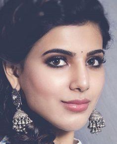 Make up inspiration from Tamil heroine, Samantha Ruth Prabhu. Smokey eyes, natural lips, silver jewellery.