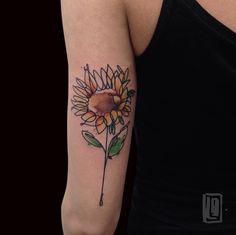 SunFlower #tattoo #alternativetattoo #sketchtattoo #abstracttattoo #thinkbeforeuink #tattooed #tattooer #tattooersubmission #tattooartist #TattooistArtMagazine #lucabraidottitattoo #coldstreet