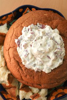 CHIPPED BEEF AND ONION DIP, served in a bread bowl, is a creamy hot dip that is full of thinly sliced beef and golden caramelized onions. It's the perfect dip for a party! Our family Appetizer Dips, Yummy Appetizers, Appetizer Recipes, Chipped Beef Dip, Bread Bowl Dip, Homemade Egg Rolls, Dip Recipes, Summer Recipes, Beef Recipes