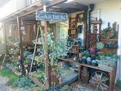 小さな庭の画像 by ikuraさん | 小さな庭と多肉植物とステンシルと多肉棚DIYとリメ缶とアンティーク雑貨と『DIY+GREENのある暮らし』フォトコンテストとサビサビ雑貨と鳥かごと秘密基地とハンドメイド雑貨と地植え