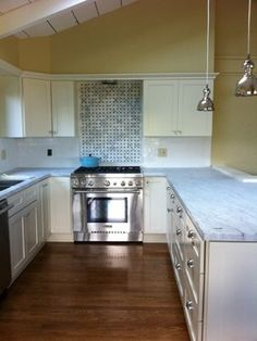 White Kitchen Cabinets Design Ideas, Pictures, Remodel, and Decor