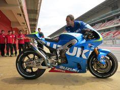 2015 MotoGP Bikes Comparison | testete Suzuki sein neues Racebike für die MotoGP Saison 2015 ...