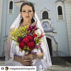 Bouquet lindo pra produção fotográfica da super @melgabardofotografia  #Repost @melgabardofotografia with @repostapp ・・・ Foto e direção: Mel Gabardo Produção executiva: @victor_rodder Modelo: @_luannamalinovski Beleza: @brunadanielmk Tratamento de imagem: @jessicaschianti Vestidos e acessórios: @nilmanoivas Buquê: @asfloristas #photoshoot #photoshooting #fotografiademoda #moda #fashion #editorial #makeup #hair #beleza #beauty #vogue #style #voga #custom #model #womans #girls #beautiful #...