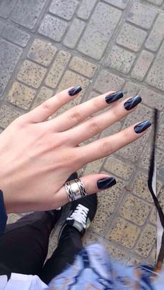 Black cat eye nails shellac