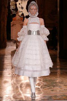 Alexander McQueen Fall 2013 Ready-to-Wear Fashion Show - Katya Riabinkina (Elite)