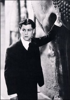 Rupert Graves as Alec Scudder. Merchant-Ivory film Maurice based on the novel by E. Michael Wilding, Rupert Graves, Literary Characters, Great Films, Sex And Love, Moving Pictures, Director, British Actors, Suits