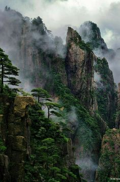 """Today's Photo Of The Day is """"Huangshan Mountains"""" by Bill Sisson. Location: Hu… Today's Photo Of The Day is """"Huangshan Mountains"""" by Bill Sisson. """"China's Huangshan Mountains, also known as the Landscape Photography, Nature Photography, Travel Photography, Photography Ideas, Mountain Photography, Portrait Photography, Image Nature, Art Nature, Nature Aesthetic"""