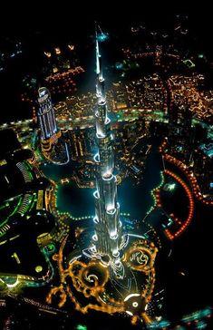 O edifício mais alto do mundo fica incrível visto de um helicóptero