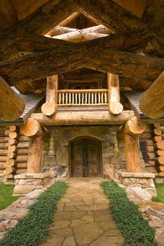 Holy Logs!! This is the most incredible log home I've ever seen! 23 Photos of this beautiful rustic cabin in N.Y.