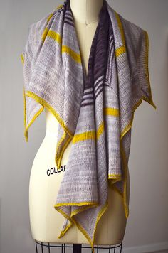 Octo Shawl pattern #diy #knittingpattern . malabrigo LAce In pearl, Pearl Ten and Frank Ochre