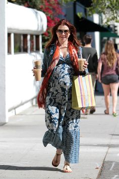 La star de How i met your Mother, Alyson Hannigan portant une #robe  de #maternité #Seraphine (et des milkshakes!) http://www.seraphine.fr