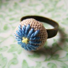 "stitchesandpurls: "" (via iloveetsy: Blue Daisy Cross Stitched Ring Adjustable Brass by BRadleyBB) "" Textile Jewelry, Fabric Jewelry, Diy Rings Step By Step, Jewelry Crafts, Handmade Jewelry, Crochet Rings, Blue Daisy, Ribbon Art, Stylish Rings"